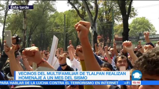 Homenaje a víctimas del sismo en multifamiliar de Tlalpan