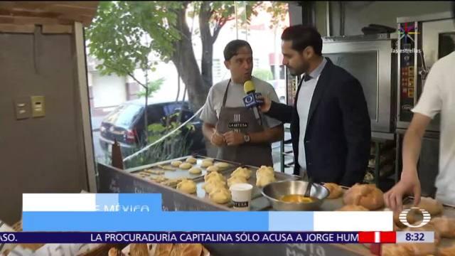 Cómo preparan pan de muerto en establecimiento de la Roma, CDMX