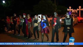 Familias disfrutan del Desfile de Catrinas en Sonora