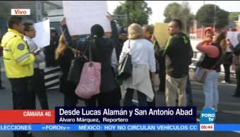 Padres de familia bloquen San Antonio Abad en CDMX