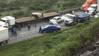 Se registra carambola en carretera Monterrey-Saltillo