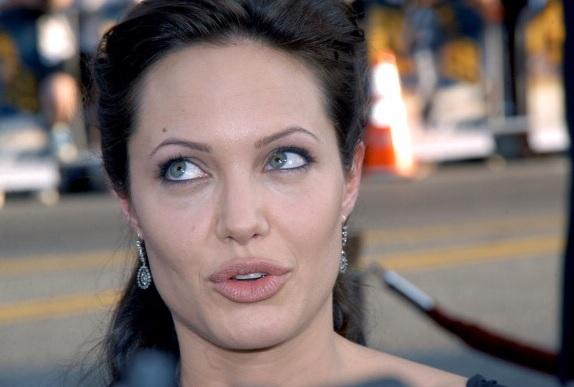 Angelina Jolie aceptó ser carnada para capturar a terrorista