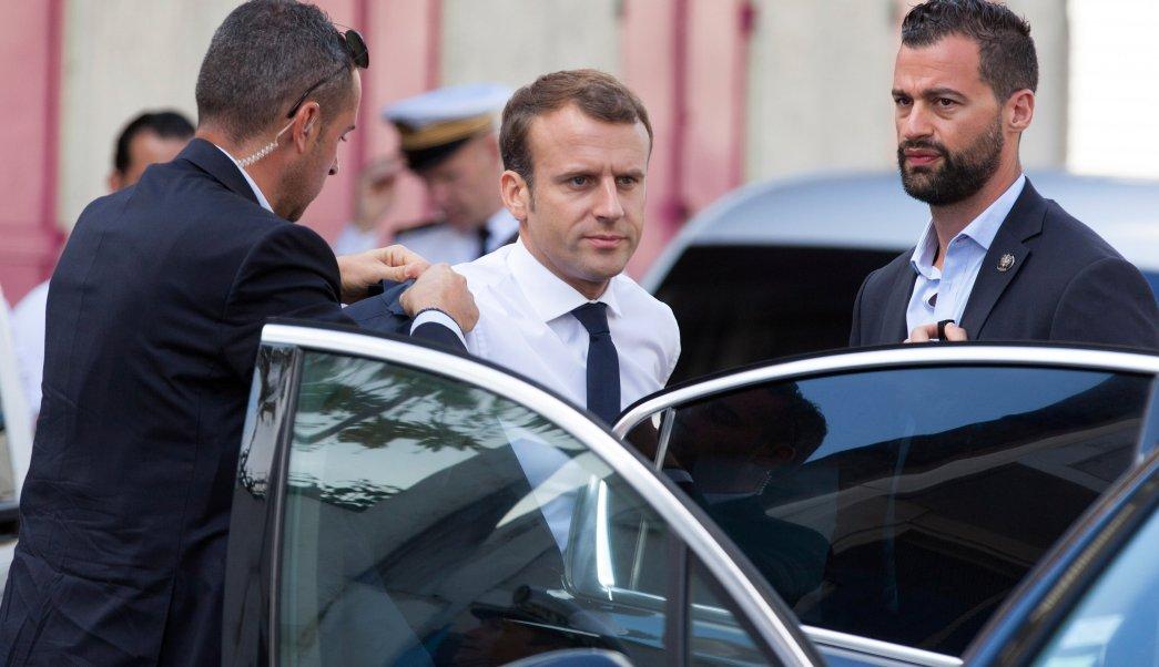 Emmanuel Macron firma polémica ley antiterrorista