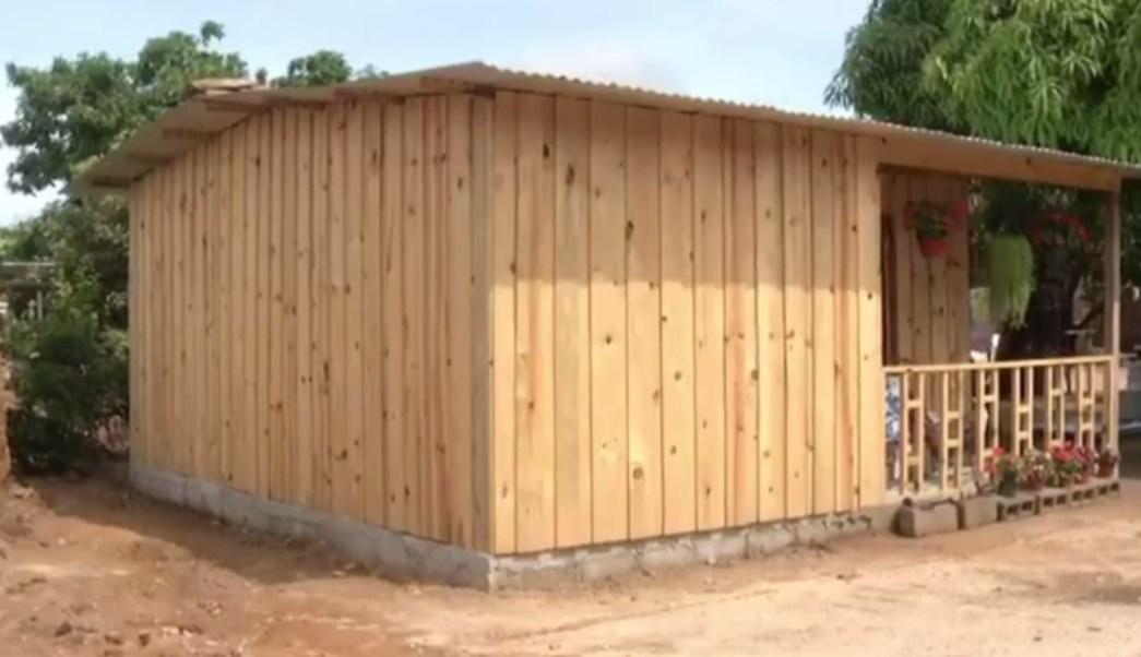 Construyen casas antis smicas para damnificados en chiapas - Seguros casas de madera ...