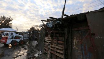 Derriban viviendas precarias del campamento Telecomunicaciones de Iztapalapa, CDMX