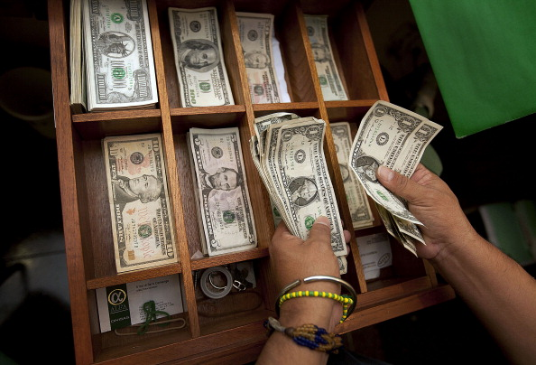 El dólar se vende en 19.15 pesos