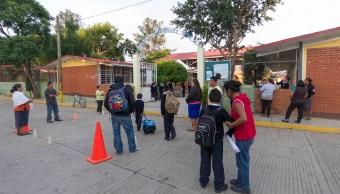 Cien mil escuelas afectadas por sismos operan de manera regular: SEP