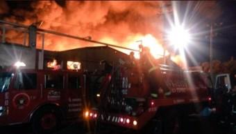 se incendia fabrica de muebles en xalostoc ecatepec