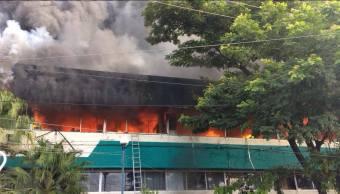 Normalistas vandalizan oficinas de Educación en Tuxtla Gutiérrez