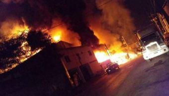Se registra un incendio en una recicladora de aceites en Nuevo León