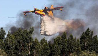 Más de mil bomberos combaten cuatro grandes incendios en Portugal