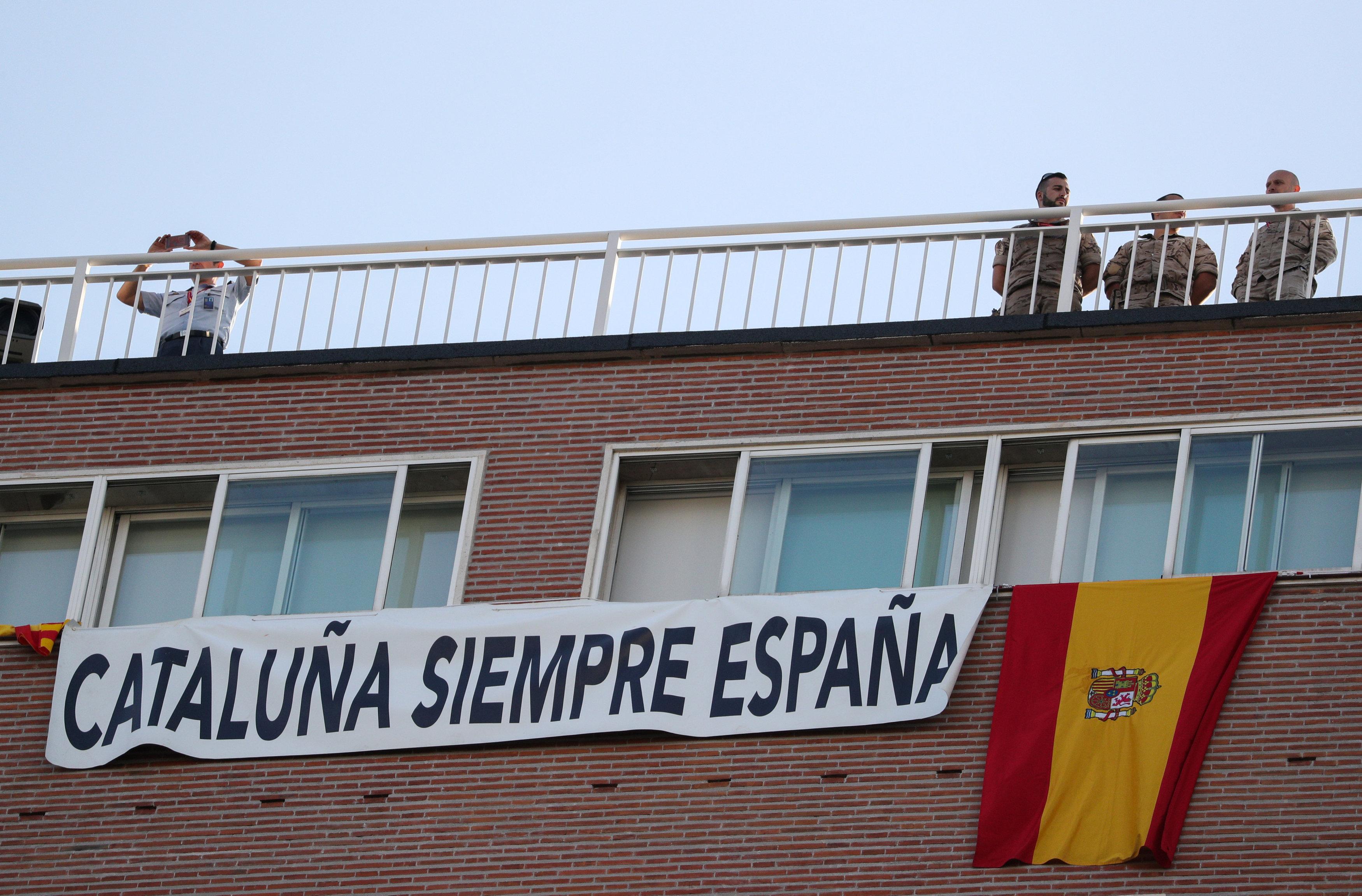 Advierte el Gobierno español de una posible recesión en Cataluña