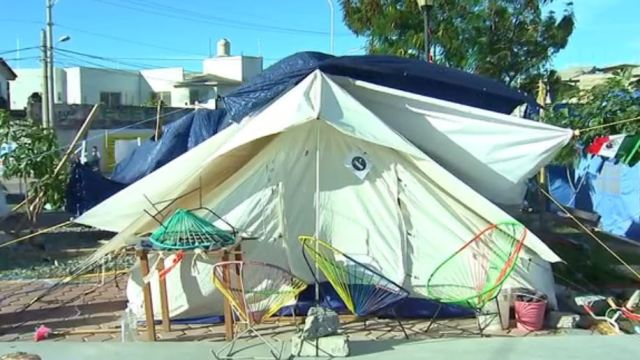 Fuertes vientos complican situación para damnificados en Oaxaca