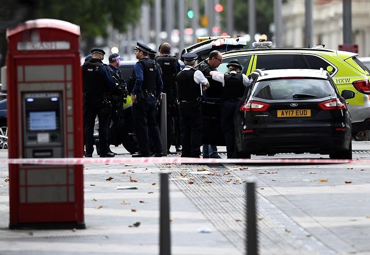 Liberan a hombre que atropelló a varias personas en Londres