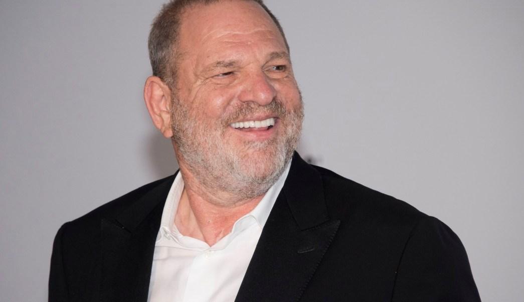 Policía de NY revisa acusaciones contra el productor Weinstein