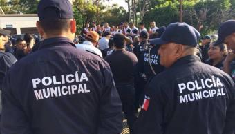 Marchan policías en Tuxtla Gutiérrez, Chiapas