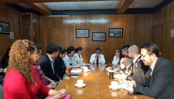 Ricardo Monreal analiza propuestas políticas