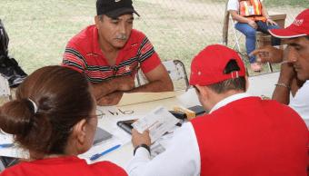 Inicia entrega de tarjetas para reconstrucción en Juchitán, Oaxaca