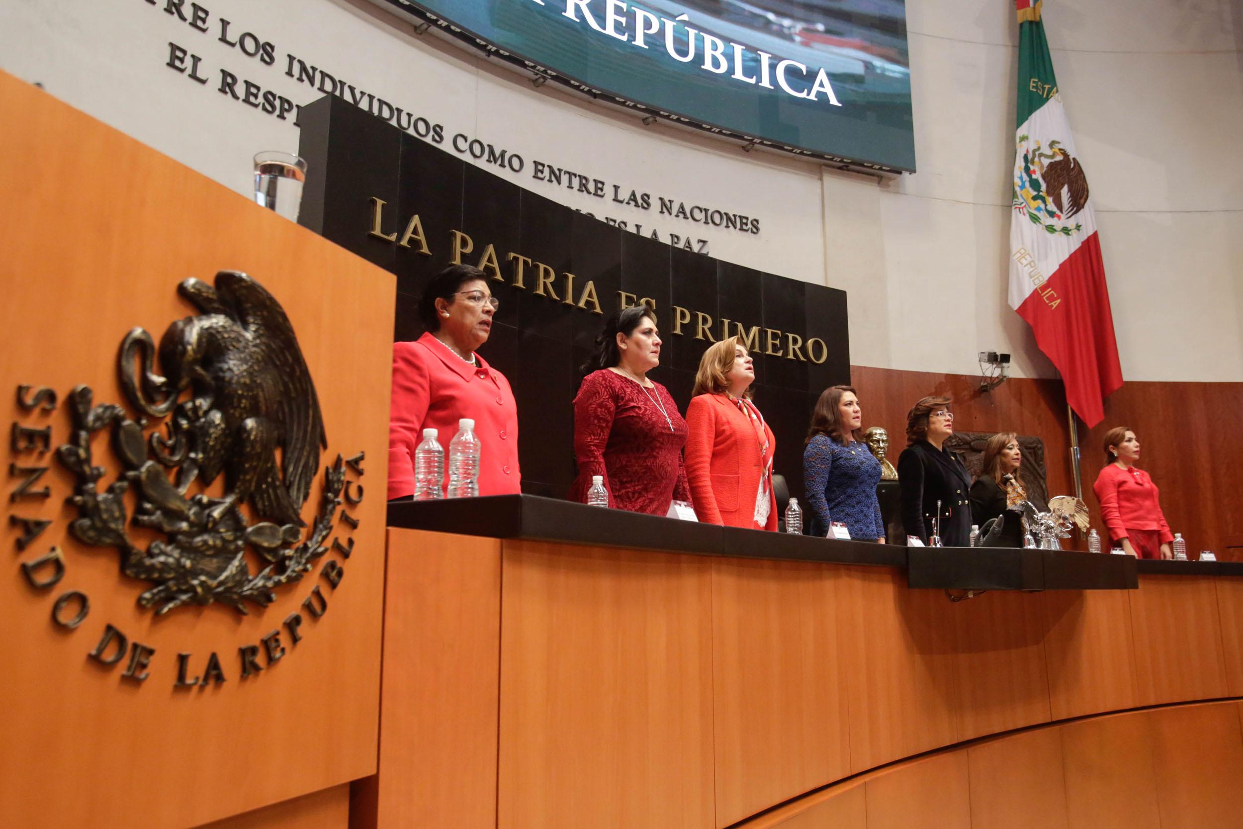 Desde hace 64 años las mujeres tienen derecho a votar en México