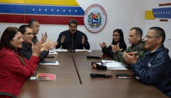 Chavismo se impone en 17 de los 23 estados, según resultados oficiales