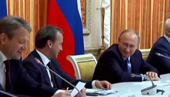 Putin se ríe de propuesta de ministro para exportar cerdo a Indonesia