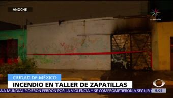 Incendio consume taller de zapatillas en la CDMX