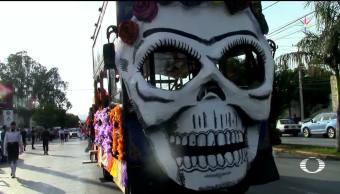 México festeja y recuerda a sus muertos