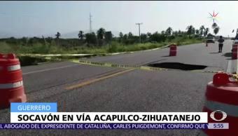 Se abre socavón en la vía Acapulco-Zihuatanejo