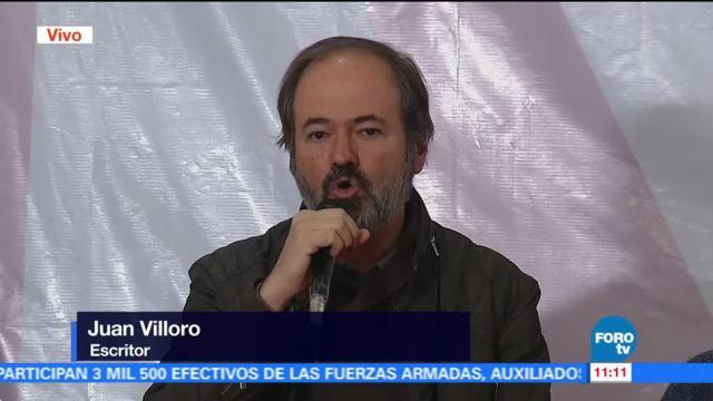 Juan Villoro denuncia irregularidades en método del INE para recabar firmas