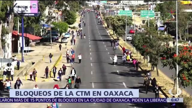 Diversos bloqueos afectan carreteras de Oaxaca