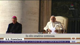 El papa Francisco critica el uso de celulares durante la misa
