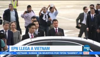 EPN arriba a Vietnam