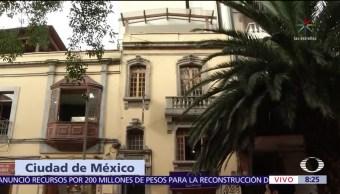 Bomberos rescatan a hombre en la Zona Rosa, CDMX