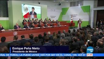 EPN celebra incremento al salario mínimo