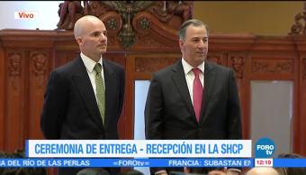 Meade y González Anaya realizan ceremonia de entrega recepción de titularidad de Hacienda