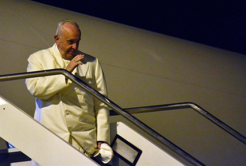 Francisco inicia primera visita de un pontífice a Myanmar