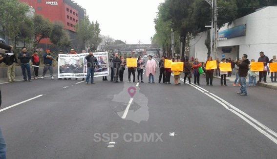 Damnificados del sismo bloquean vialidades de la CDMX