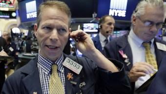Wall Street cierra pérdidas y Dow Jones baja 043 ciento