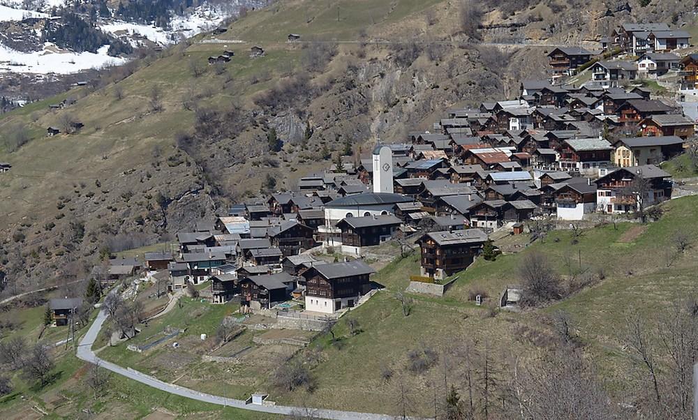 Pueblo en los Alpes pagaría por vivir ahí