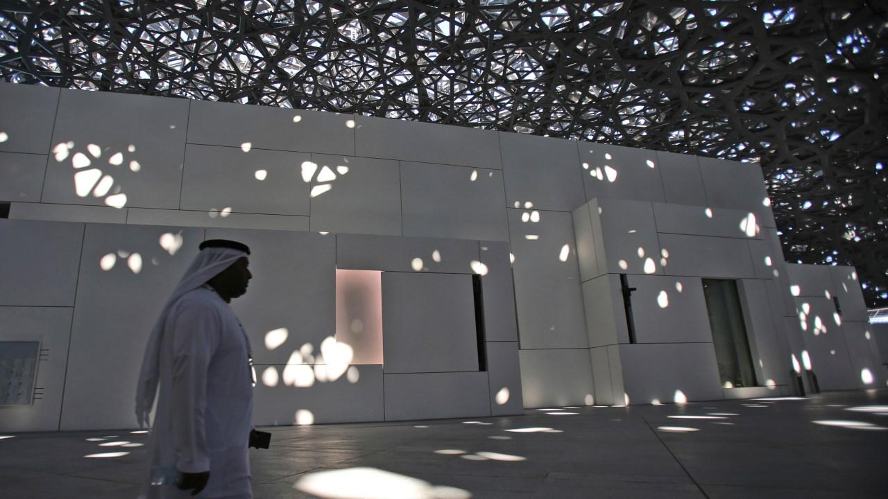 Inauguran Museo del Louvre en Abu Dabi como unión entre Occidente y Oriente