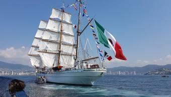 Buque Escuela Cuauhtémoc regresa al puerto de Acapulco