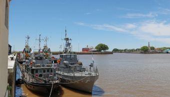 aeronaves y barcos buscan submarino argentino
