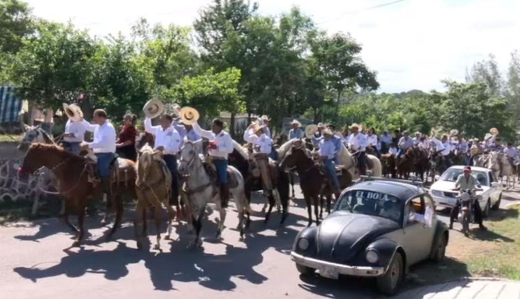 Celebran en Veracruz la cabalgata en ofrenda a San Martín Caballero