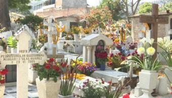 Reportan visita de 15 mil personas al panteón central de Chilpancingo