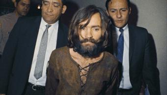 Charles Manson es escoltado en 1969