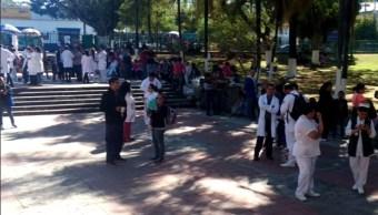 Desalojan Centro Médico de Guadalajara por olor a gas