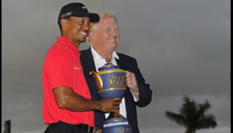 Donald Trump y Tiger Woods durante un evento en Florida