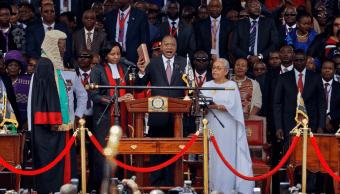 El presidente de Kenia, Uhuru Kenyatta, asume su segundo mandato