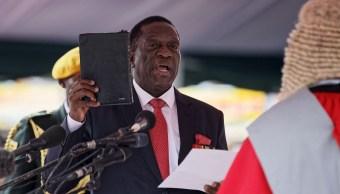 emmerson mnangagwa jura presidente provisional zimbabue