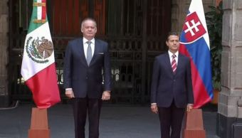 El presidente Peña Nieto recibe a su homólogo de la República Eslovaca, Andrej Kiska, quien realiza una visita de Estado en México. (Presidencia de México)